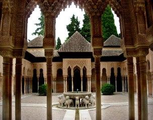 patio-de-los-leones-de-la-alhambra